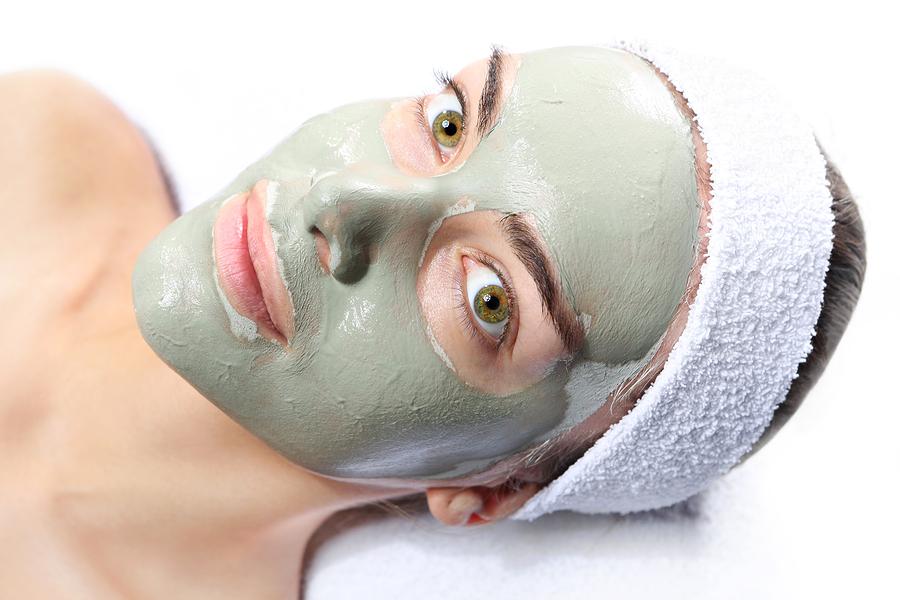 Maske aus Heilerde gegen Akne