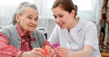 Demenz Patientin mit Krankenschwester