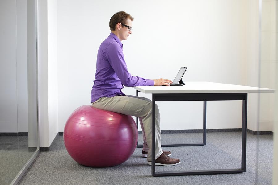 ergonomie am arbeitsplatz vorteile tipps. Black Bedroom Furniture Sets. Home Design Ideas