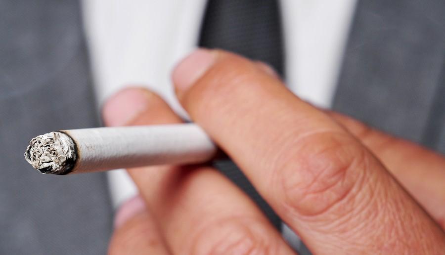 rauchen-gefahren-ältere-menschen