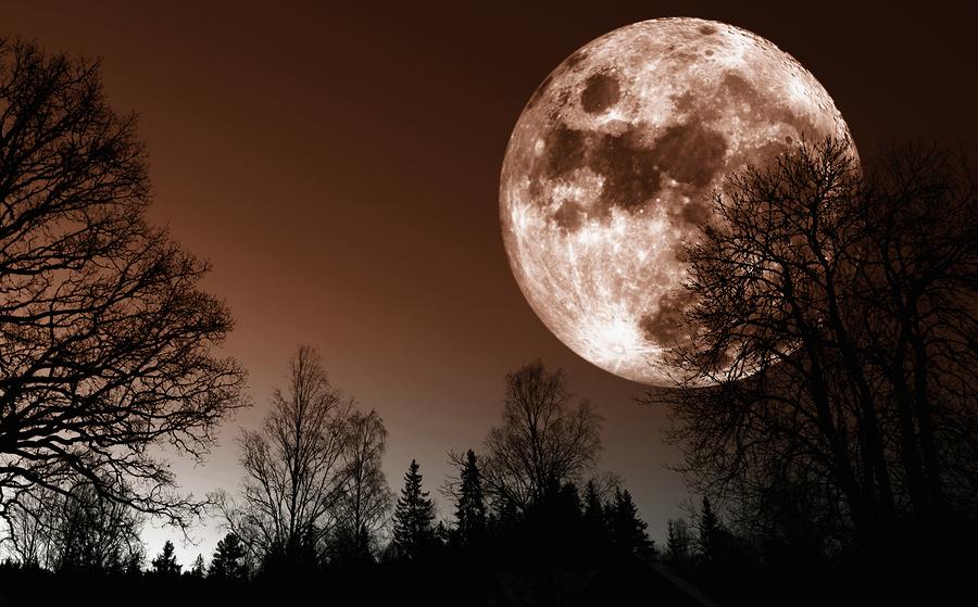 Der Mond uns seine Kraft
