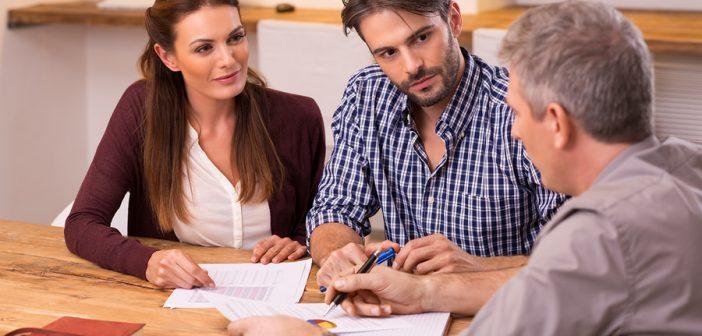 Beratung ist wichtig, beim Abschluss einer BU-Versicherung! (c)Bigstockphoto.com/128681321/ Rido81
