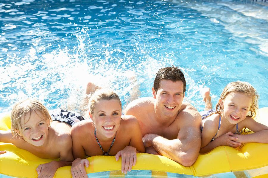 Familie im Wasserpark